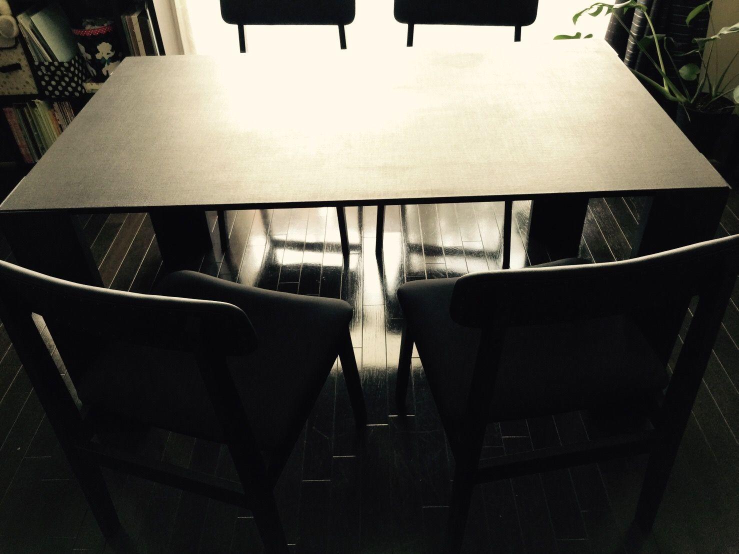 オーダーメイドのダイニングチェアとオーダーリメイクのダイニングテーブル