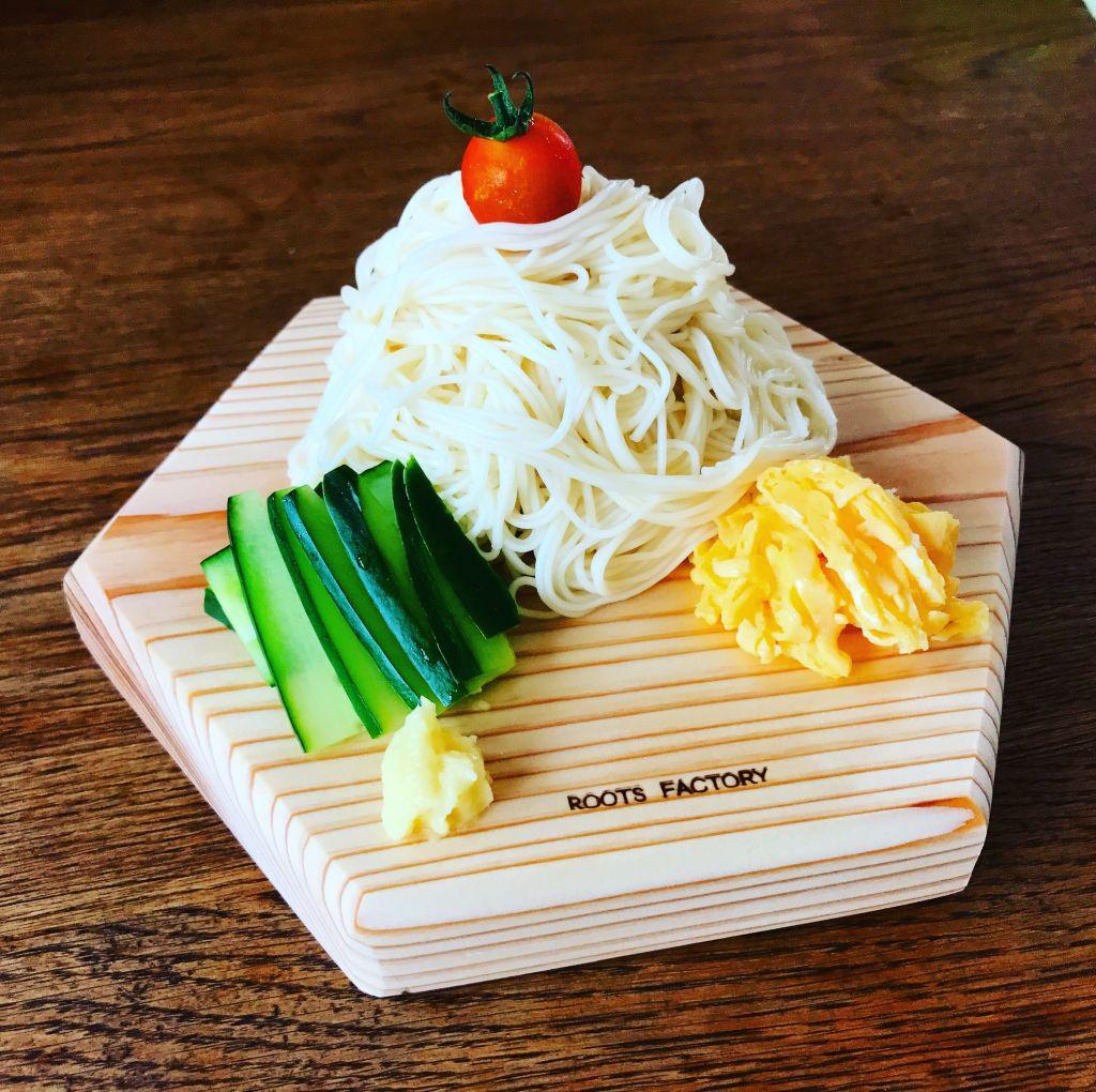 六角太郎に素麺