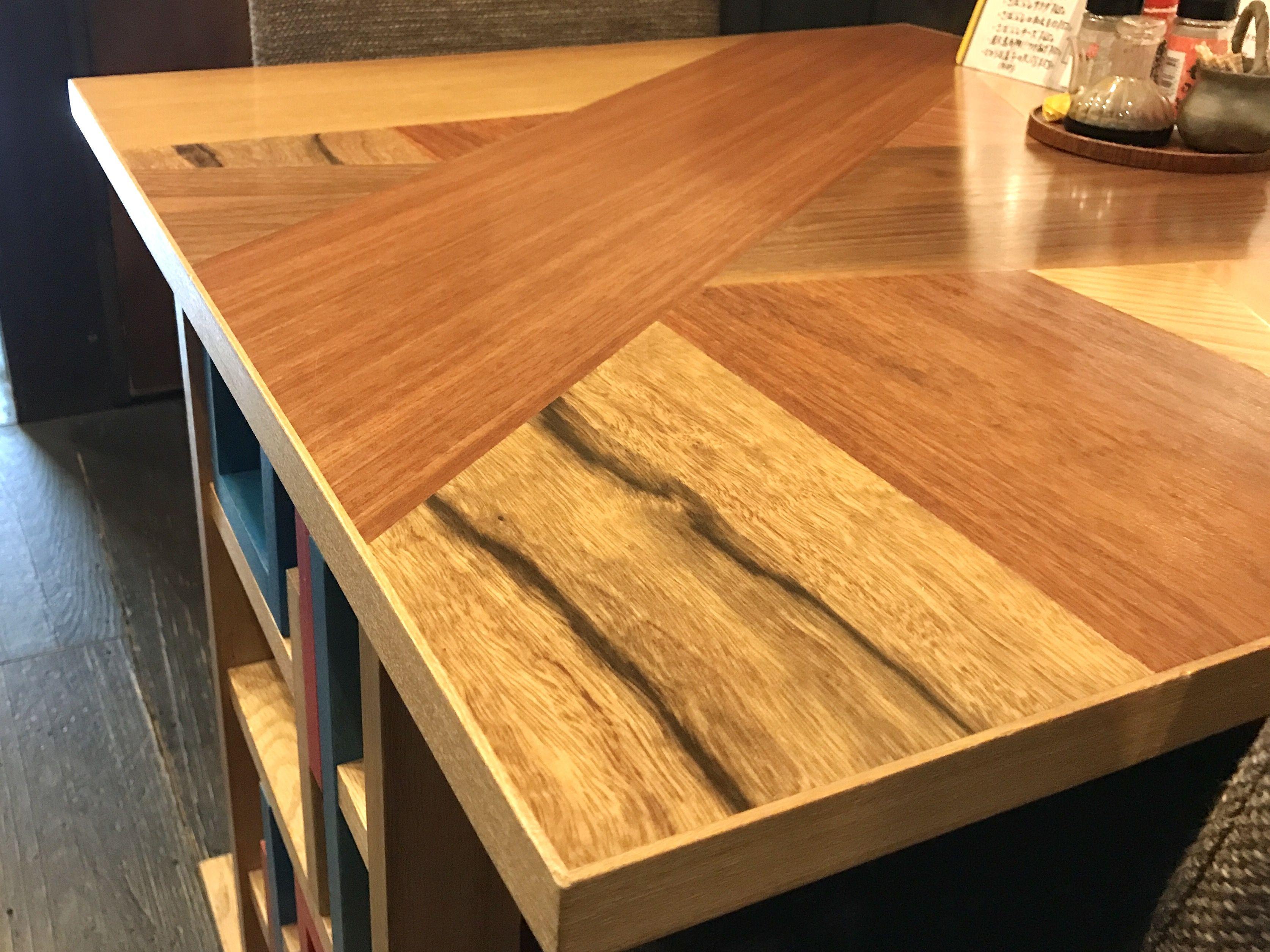 ビビッドでアバンギャルドでアシンメトリーでカラフルで個性的なオーダーメイドテーブル