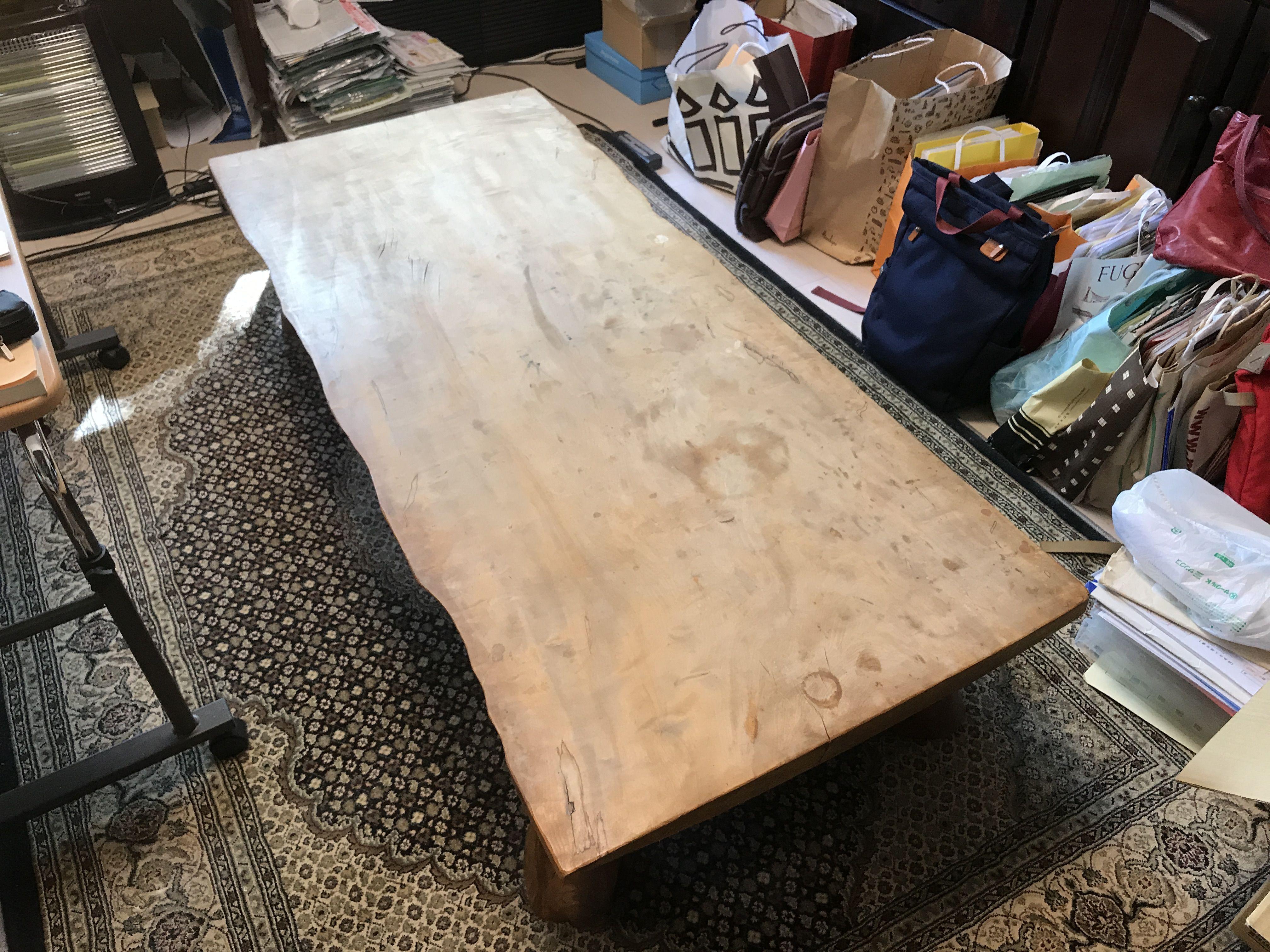 栃(トチ)の木無垢一枚板を使った座卓のダイニングテーブルへのリメイクご依頼いただきました