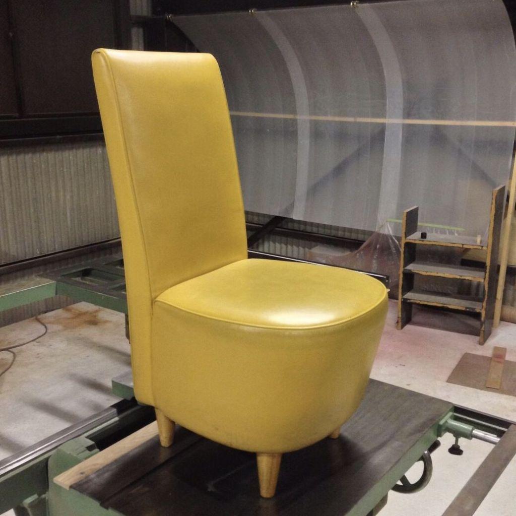 店舗用の椅子修理