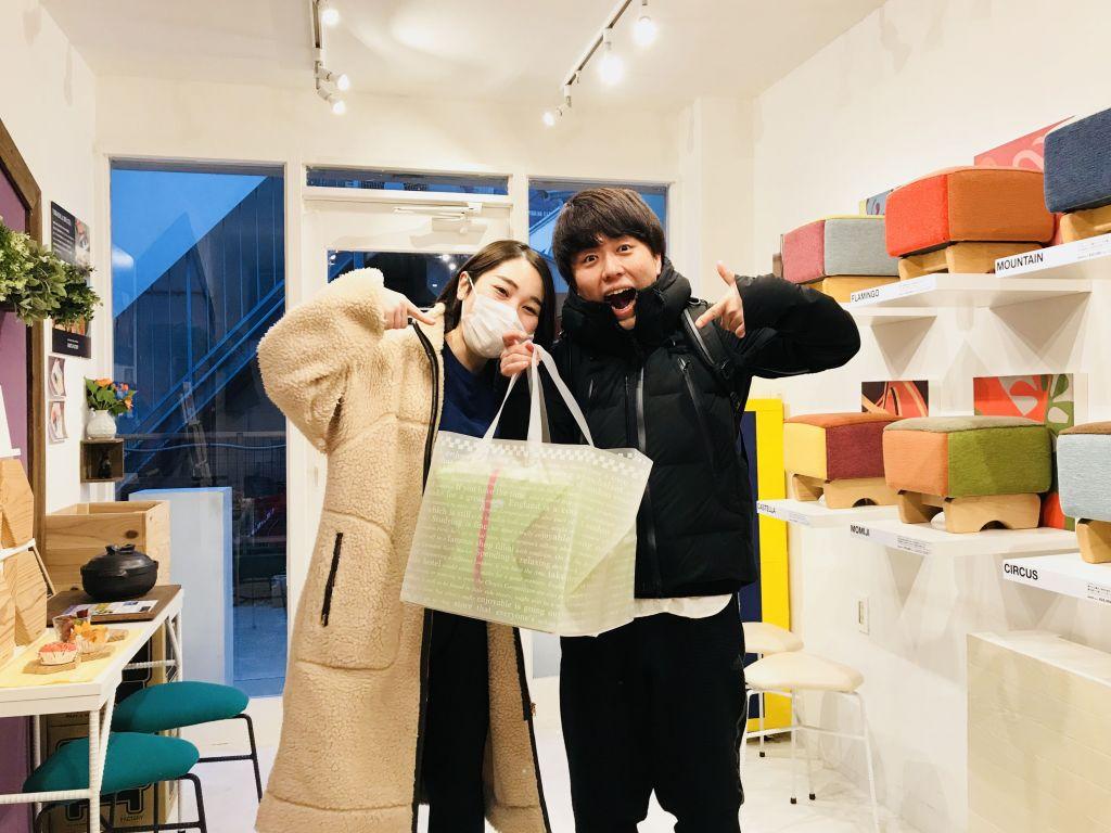 ルーツファクトリー東京店 モンペスツールをお迎えにいらしたお客さま