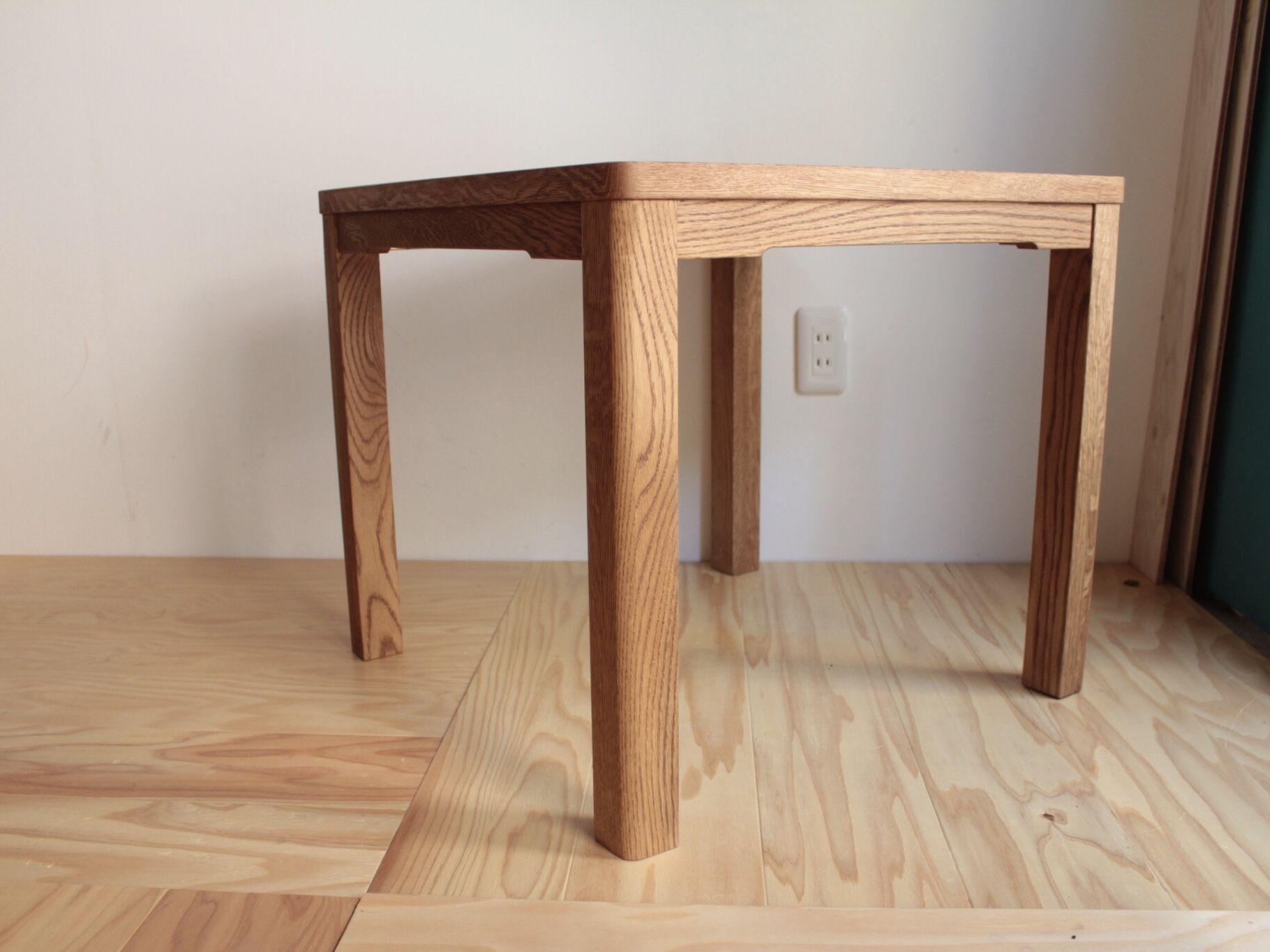 「お部屋のオークの家具に合わせたい!」とのご依頼で製作した、オーダーメイドのローテーブル