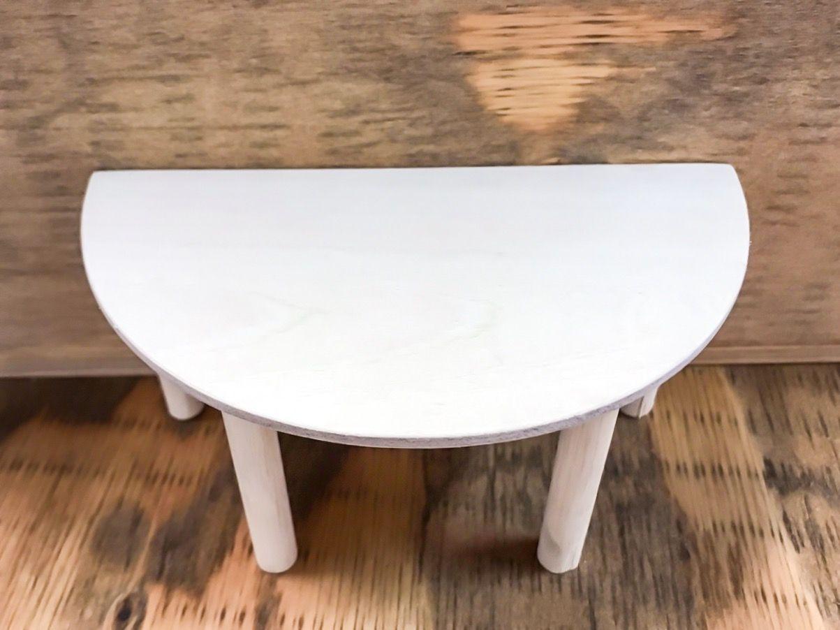 ミニチュアを作成してテーブルの脚の位置についてお打ち合わせしました