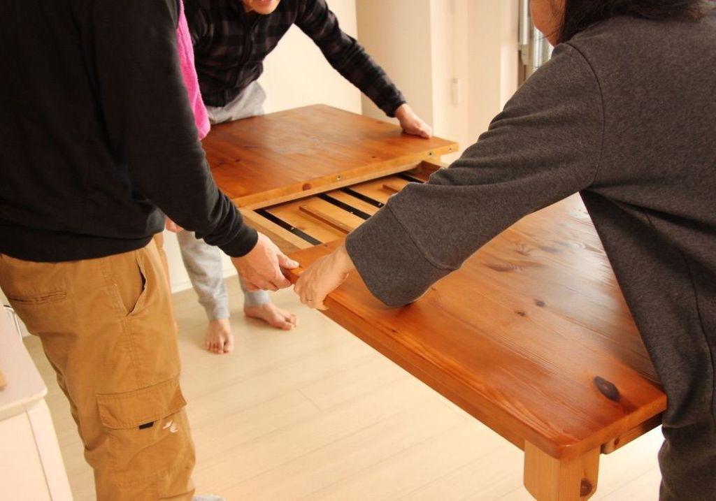 リメイク製作した伸縮式ダイニングテーブルを納品