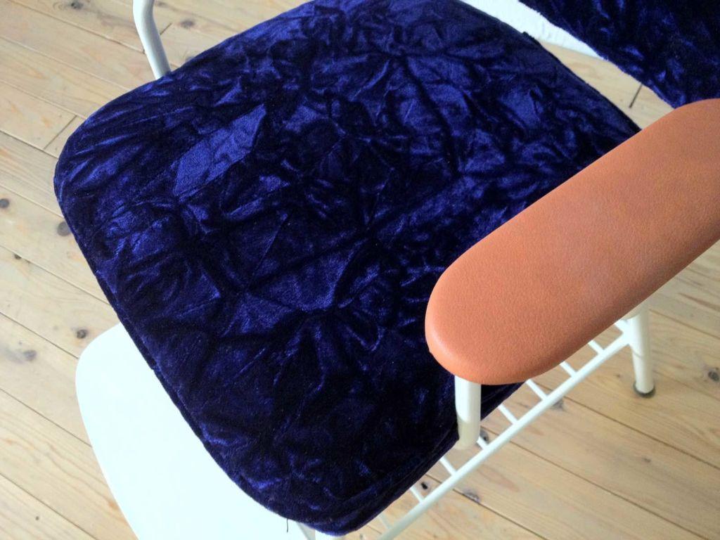 ベビーチェアリメイク(紫のチンチラ生地、肘掛にブラウンのレザー)