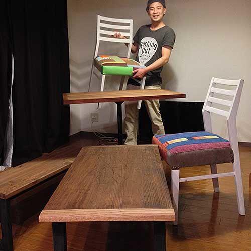 「端ばめ」も新たに製作してリメイクしたローテーブルの納品、お客様と