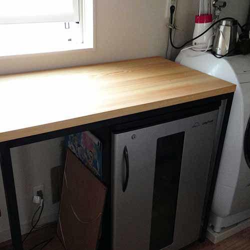 コの字型のパインテーブルを黒皮アイアン4本脚にリメイク