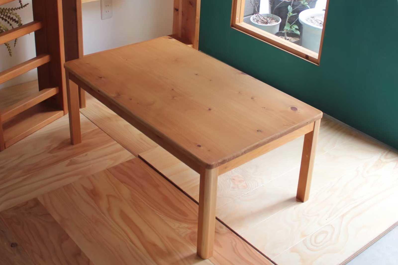 ベビーベッド付属の収納家具の天板を使用して、ローテーブルにリメイク(after)