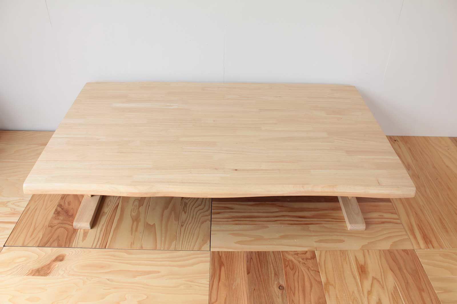 アジアン調ダーク色のローテーブルをナチュラルカラーにリメイクすることで明るく軽やかな印象のテーブルに生まれ変わりました