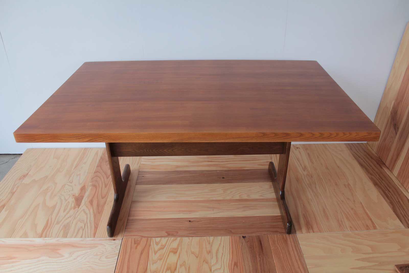 天板が分厚く重量のあるナラ材のローテーブルからダイニングテーブルへリメイク