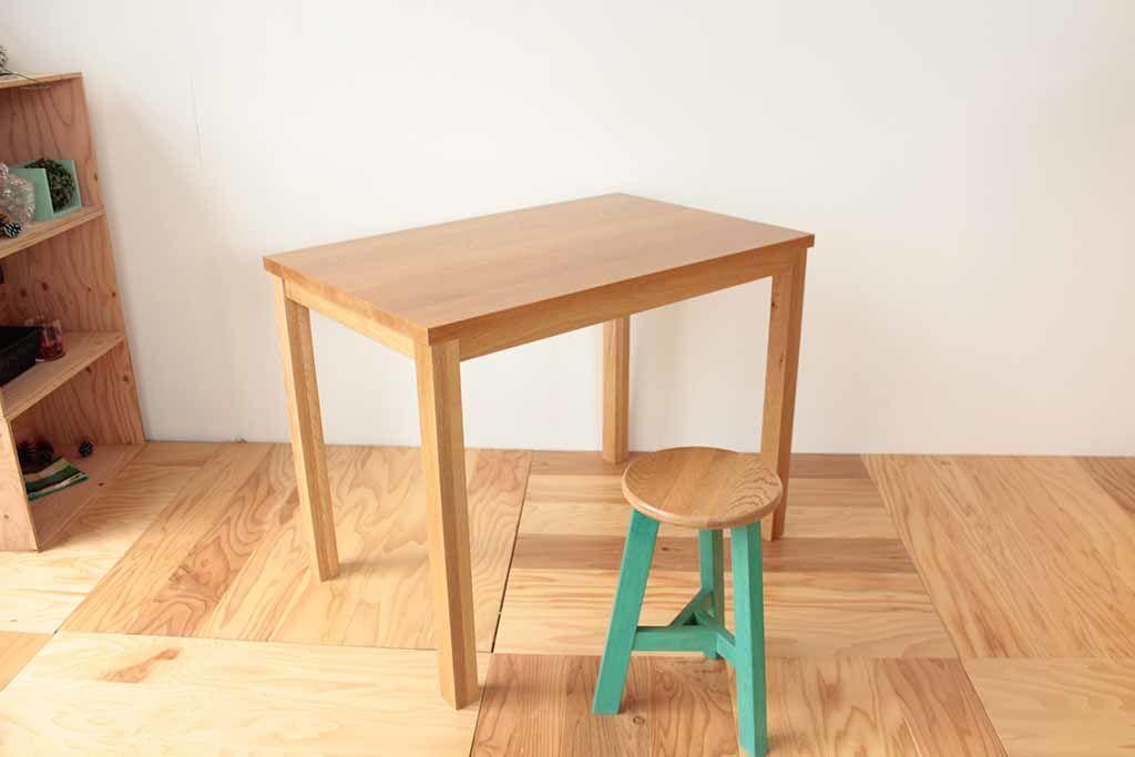 テーブル天板下の幕板も学習机の部材から製作