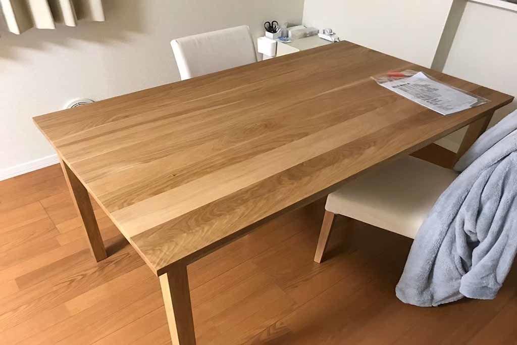 オーク無垢ダイニングテーブルを、木の節がなくなるようリサイズ(after)