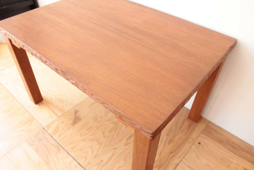 無垢の屋久杉座卓の座卓の天板を使ってダイニングテーブルにリメイク