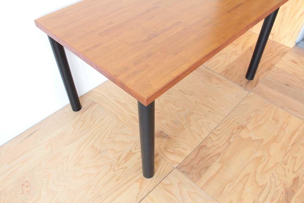 座卓をリサイズ&リメイクしたダイニングテーブルの天板