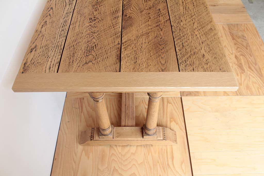 リサイズ&塗装を変更したオランダ製のダイニングテーブルの天板の縁