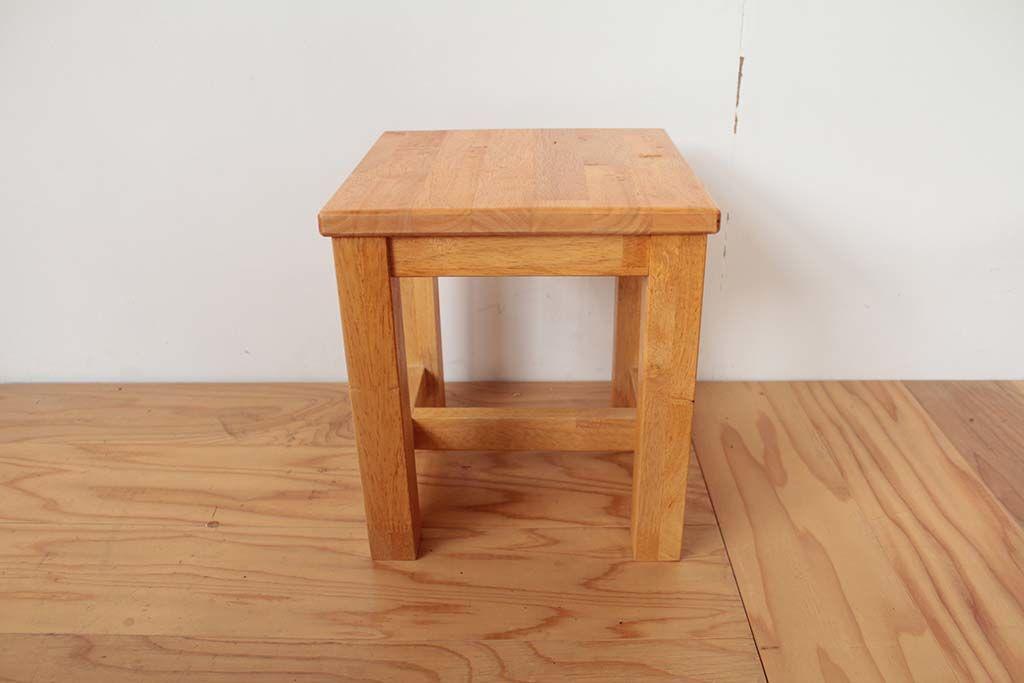 楕円形のローテーブルからリメイクした玄関用スツール