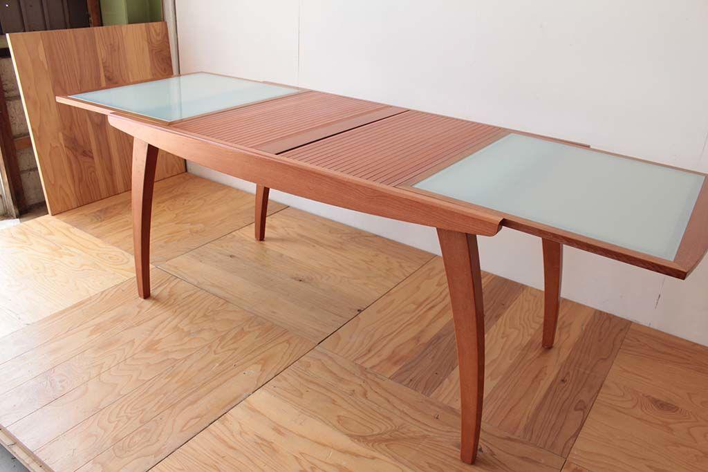 色を変える前の拡張式天板のテーブル