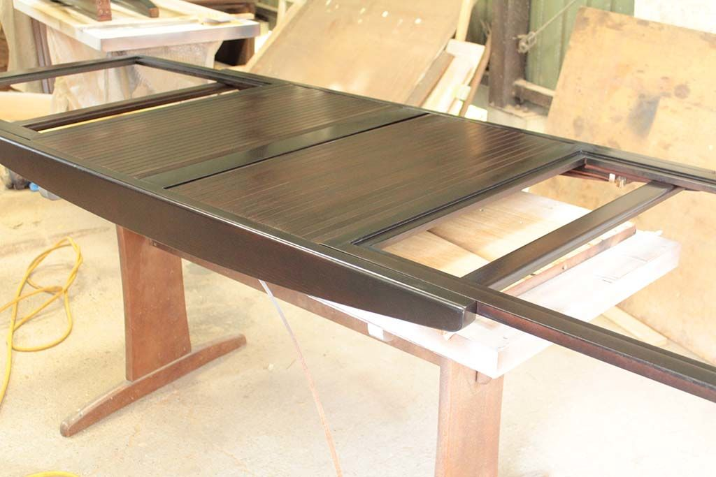 伸長式ダイニングテーブルの塗装