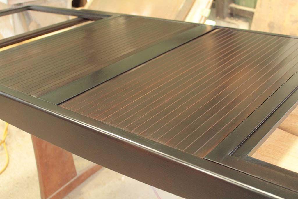 伸長式ダイニングテーブルの蛇腹部分を塗装