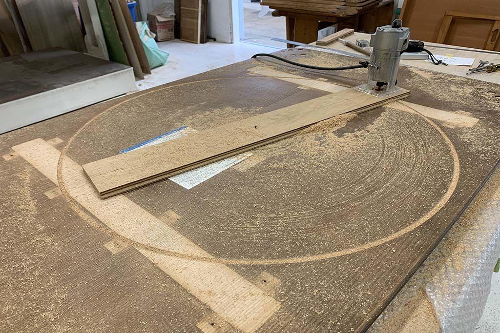 長方形の座卓リメイク加工風景