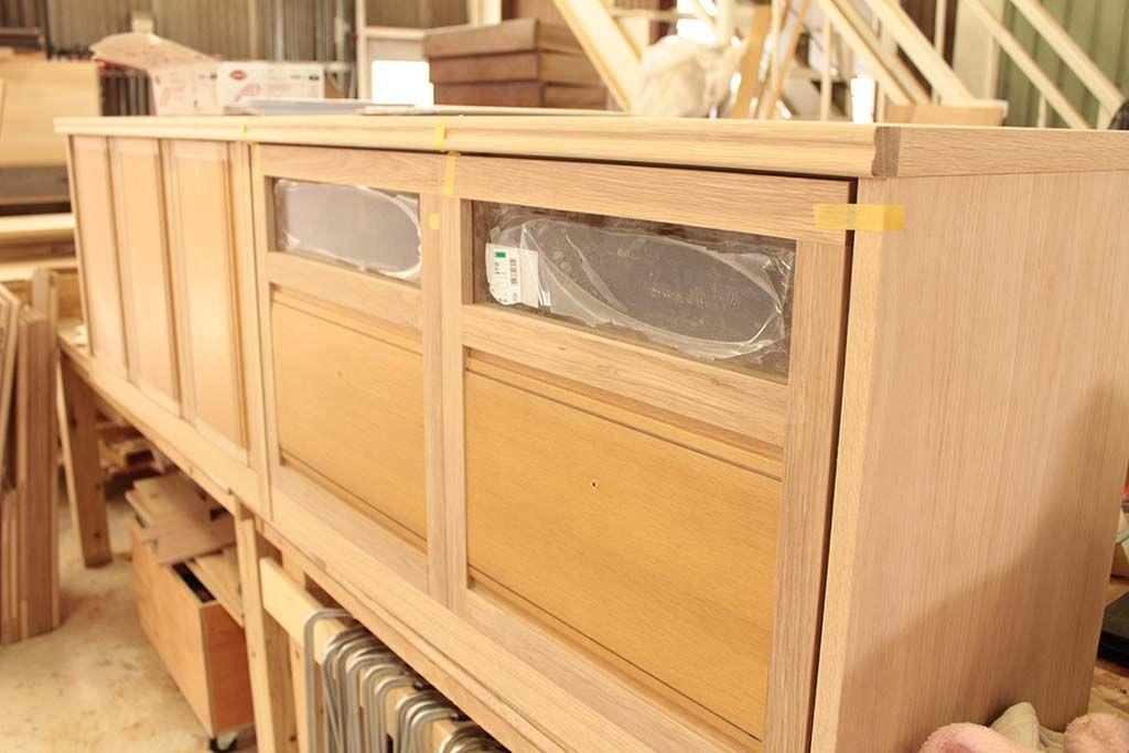 タンスからリメイクし納品準備中のテレビボード