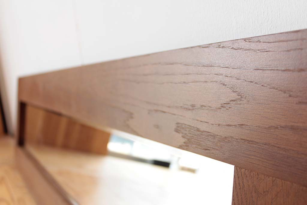 木目のシンプルさが生きたリメイクミラー