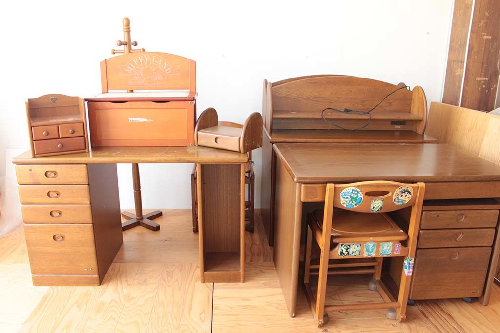 子供部屋の学習机や洋服ラックを生かしてリメイク
