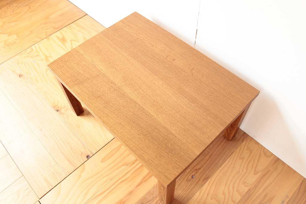 リメイク元の学習机の木目が生きた天板