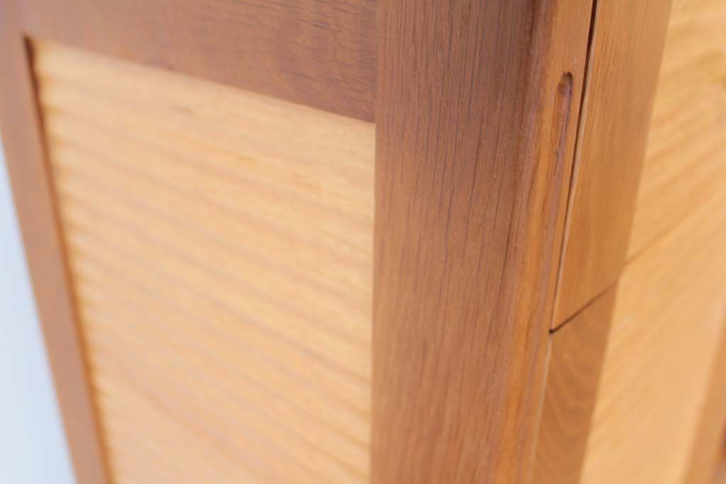婚礼家具グローゼット扉から猫脚ナイトテーブルフレームは無垢オーク材