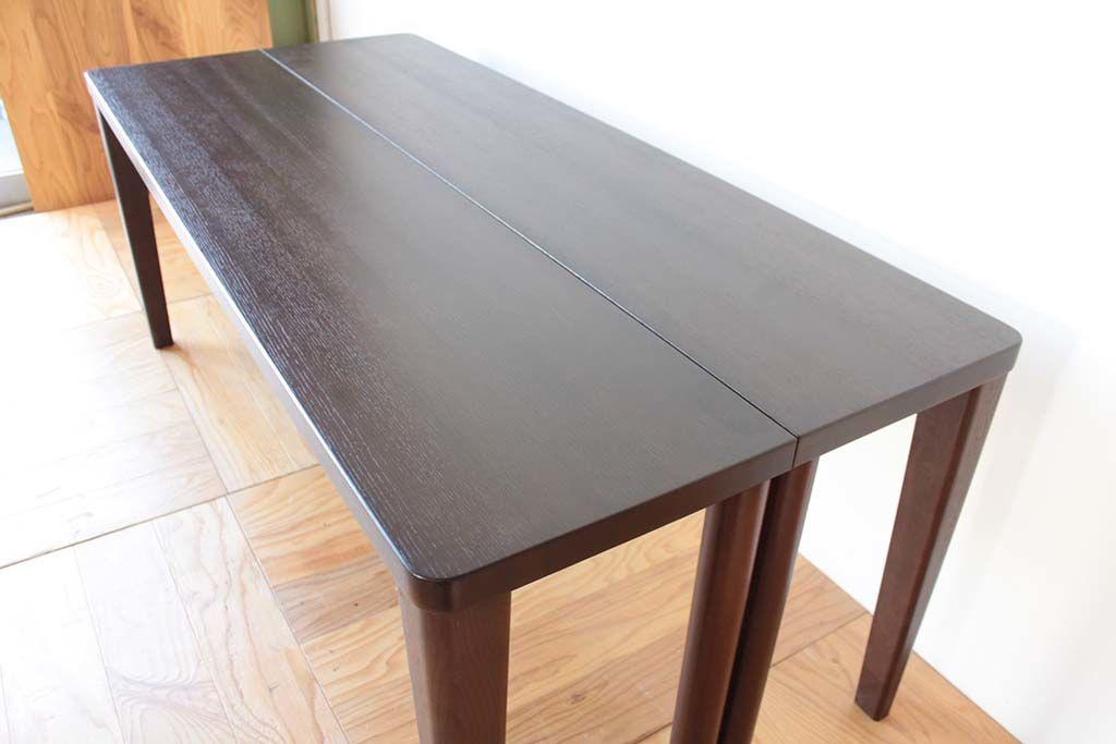 ダイニングテーブルからデスク2台へリメイク天板も綺麗に塗装し直し