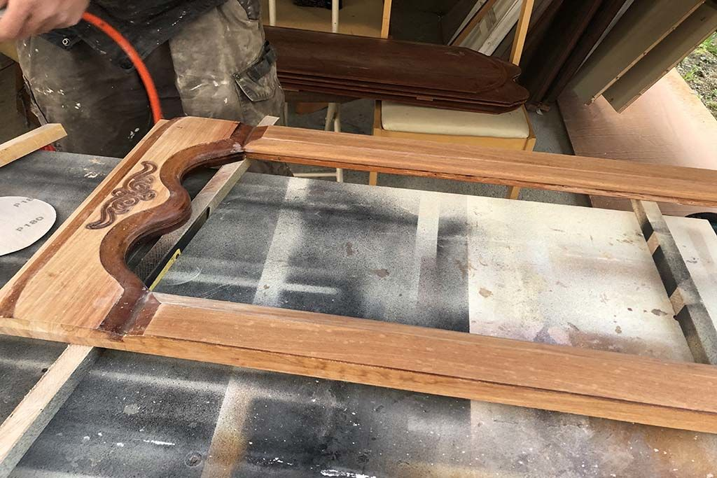 婚礼家具クローゼット扉をテレビボードへリメイク扉塗装はがし再塗装