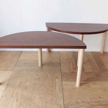 無垢ウォールナット天板のちゃぶ台をリメイクして半円テーブル2台に