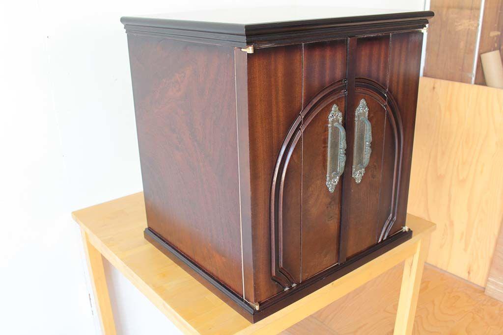 婚礼家具の和タンスをお仏壇にリメイク側面も和ダンスを使用