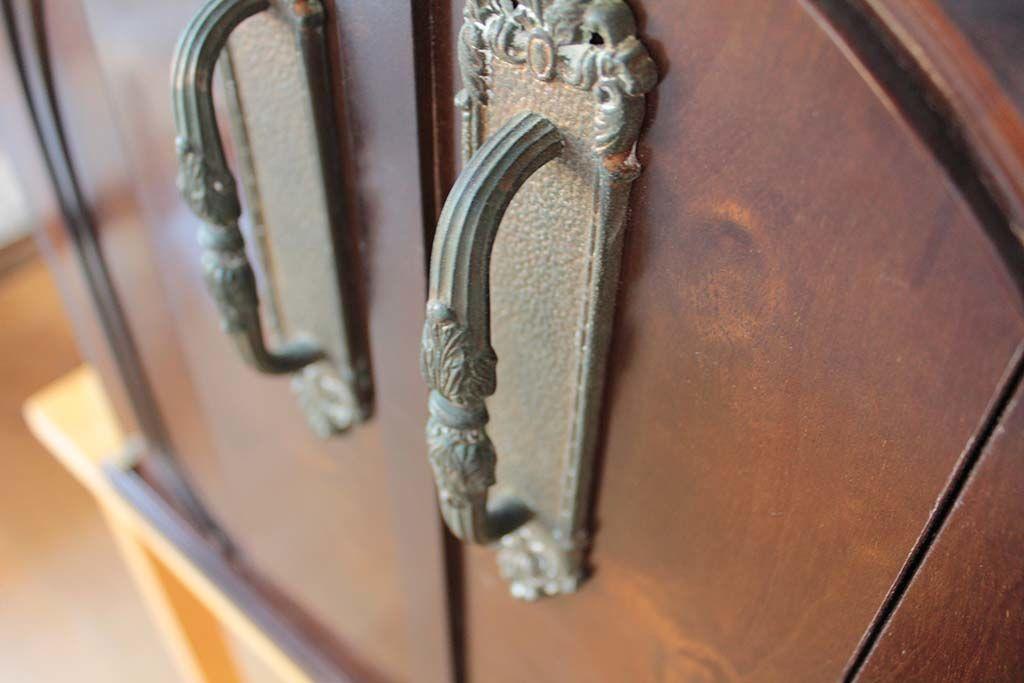 婚礼家具の和タンスをお仏壇にリメイク取っ手も元を使用