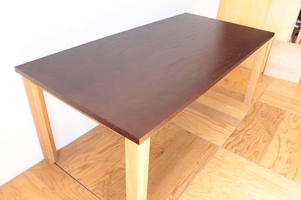 天板内部材にクローゼットを使用してダイニングテーブルにリメイク