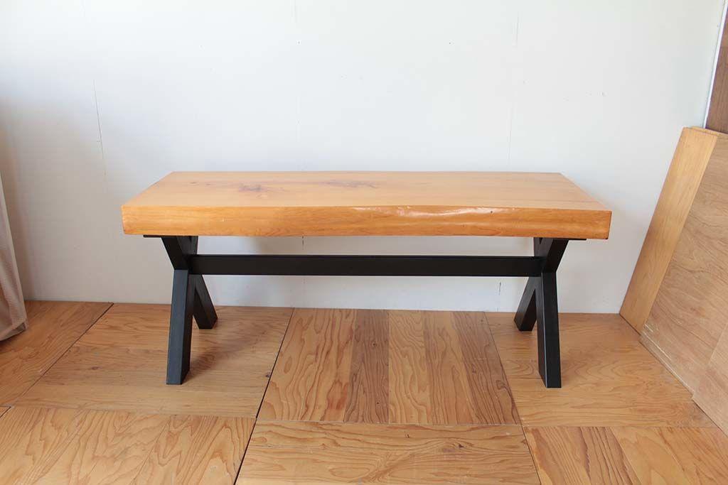 無垢座卓をダイニングテーブルにリメイク天板厚みを生かした仕上げ