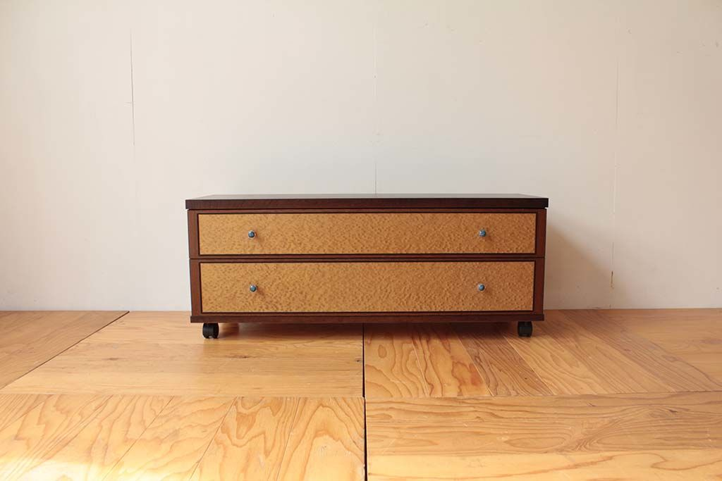 バーズアイ整理箪笥から2段キャスター付きテレビボードへリメイク