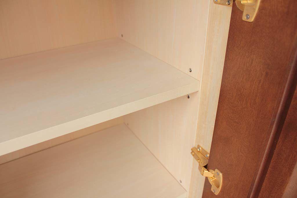 婚礼家具和箪笥をキャビネットへリメイクシナ材内部