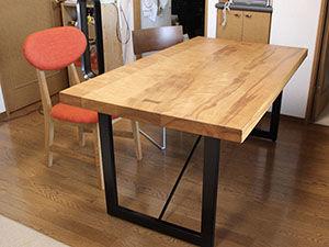 高さをリサイズさせていただいたダイニングテーブル