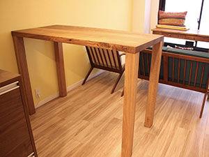 無垢チークのローテーブルをリメイクしたハイタイプのダイニングテーブル