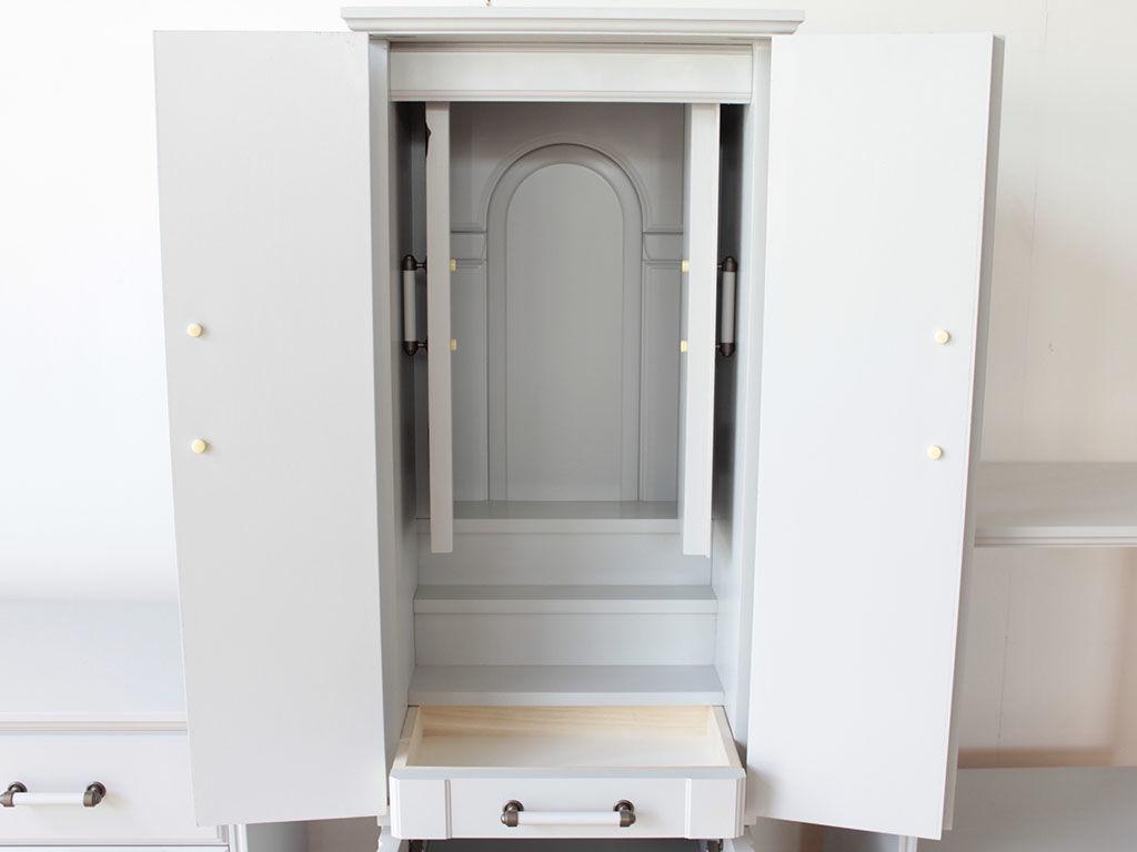 婚礼タンスからリメイクしたお仏壇の厨子の扉を開いたところ