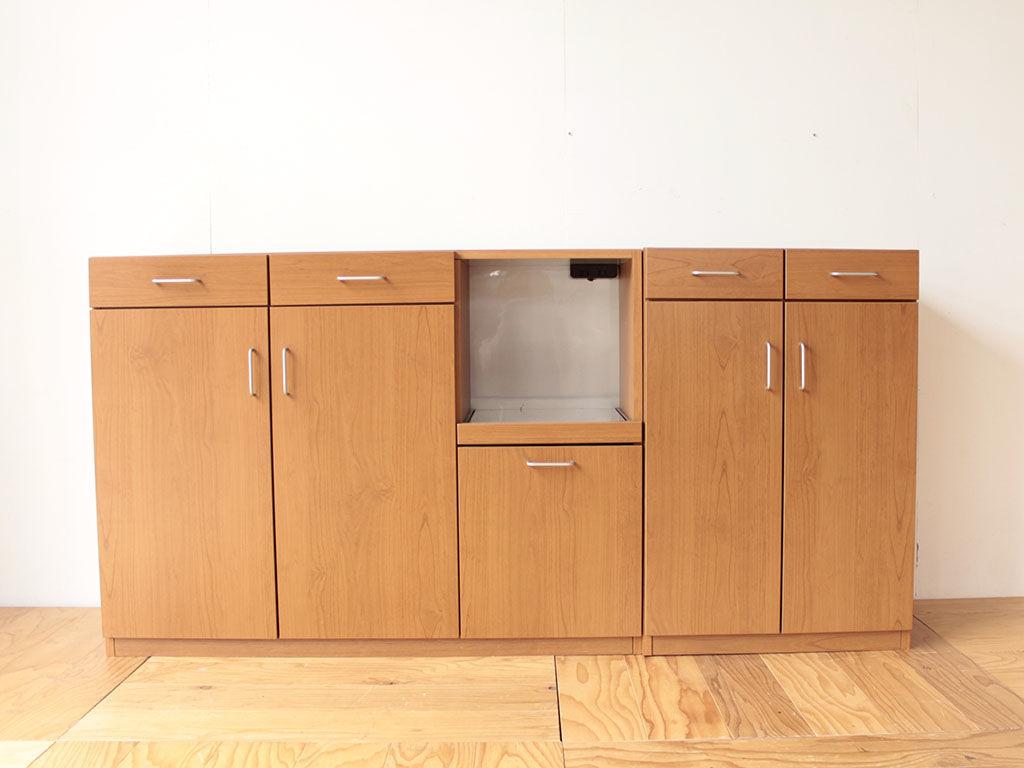 食器棚の下部をリサイズする前