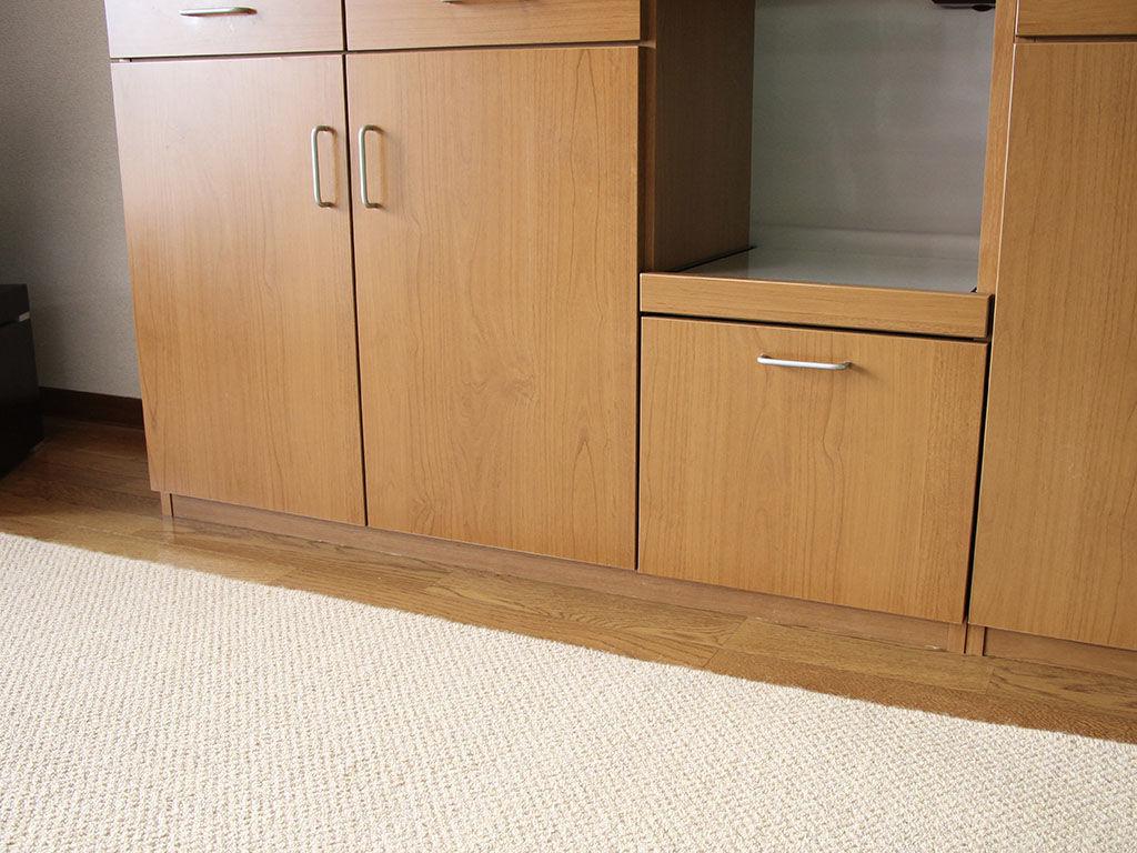 リサイズさせていただいた食器棚下部を設置した様子