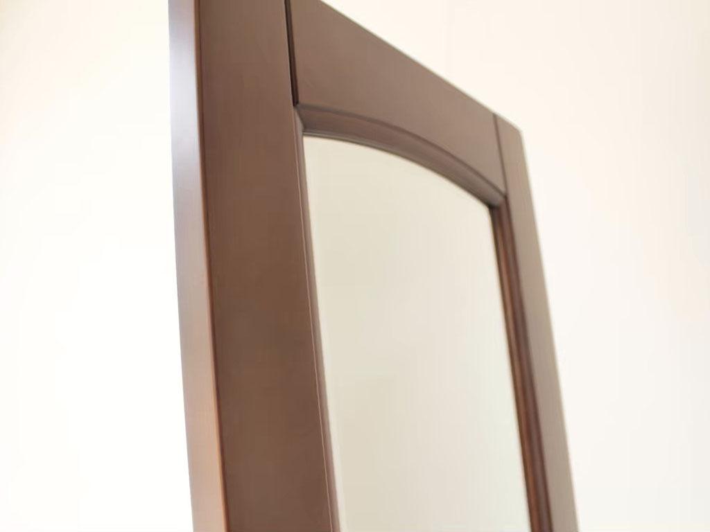 婚礼タンスの扉をそのまま生かしたスタンドミラー
