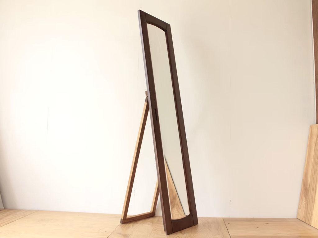 婚礼タンスの鏡付き扉をリメイクしたスタンドミラー