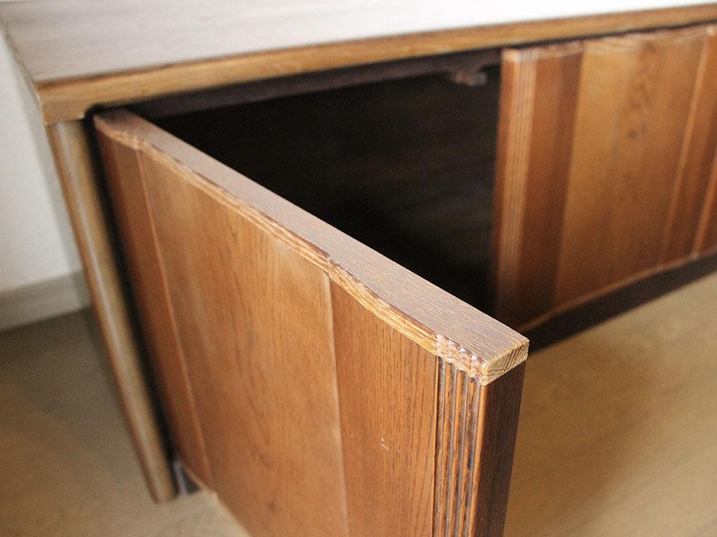 婚礼タンスの扉をリメイクして作ったテレビ台の扉