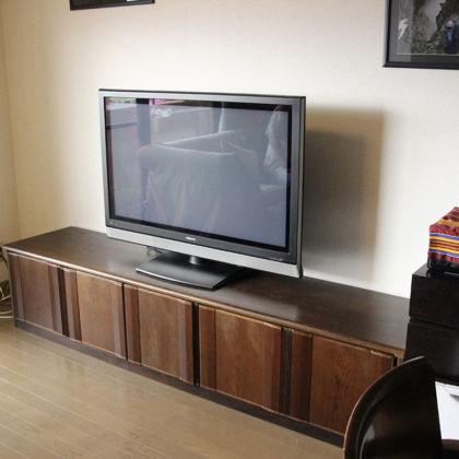 お客様のお部屋に設置完了したテレビ台