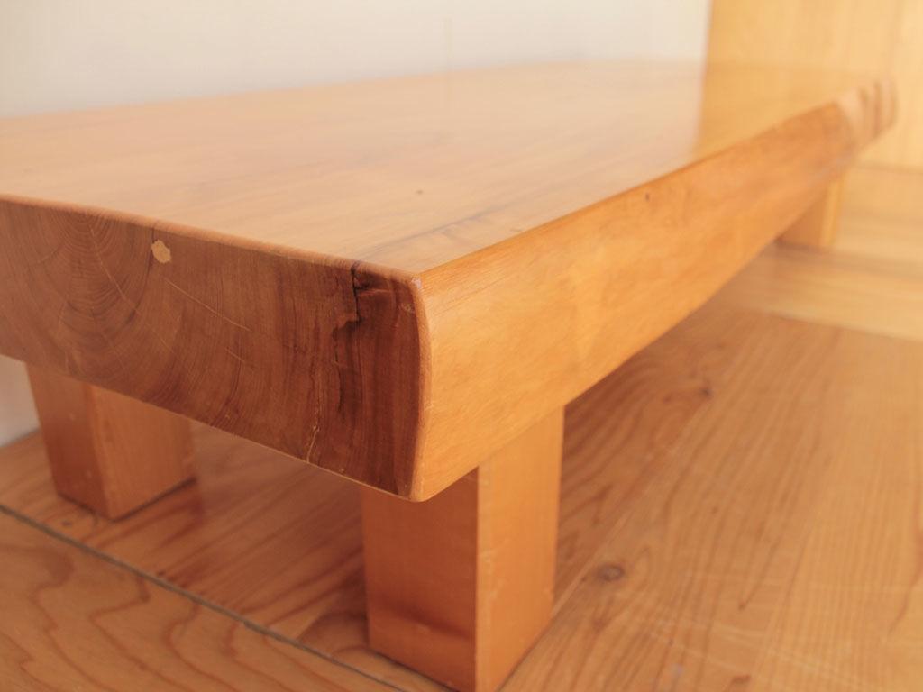 天板の厚み10cm近くの立派な座卓