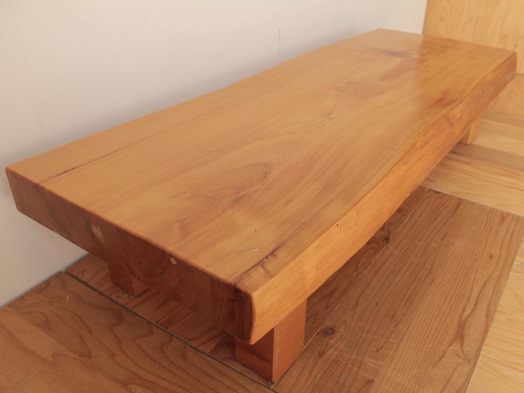 そのまま使うのが難しくなったとリメイクのご相談をいただいた座卓